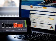 SEC zawiesza handel wieloma akcjami na podstawie informacji z mediów społecznościowych